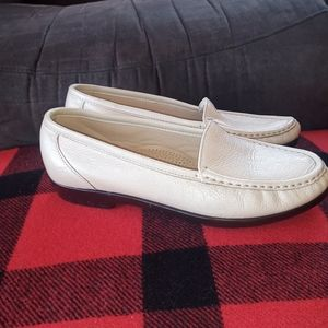 SAS Simplify leather moccasin shoes size 7.5